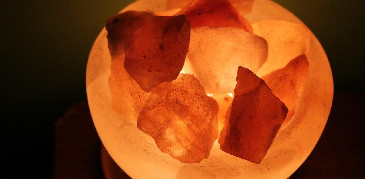 salt-crystal-249335_1280